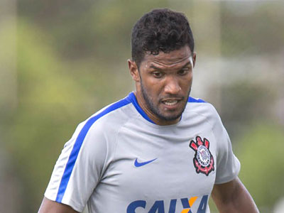 Dirigente do Nacional-URU contesta escala��o de jogador do Corinthians