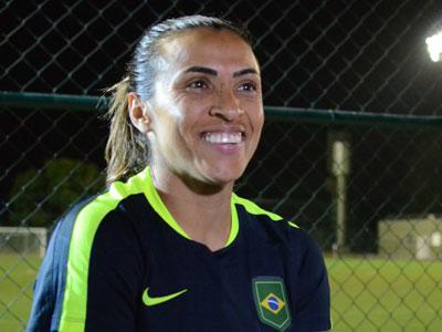 CBF confirma Marta com a camisa 10 do futebol feminino do Brasil ... eaca1b014e85b