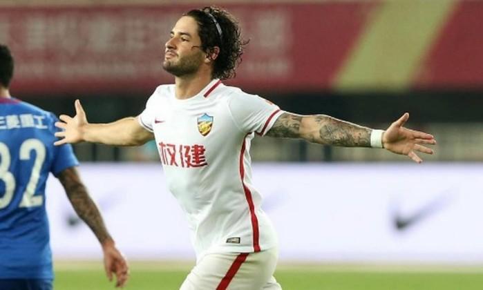 Alexandre Pato é eleito o jogador mais influente do futebol chinês ... 1d51af4a190ef