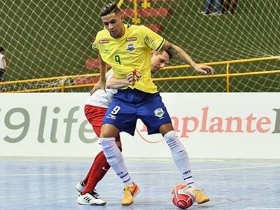 Brasil goleia a Polônia em série de amistosos - Jornal da Manhã - 46 ... 0582c65317425