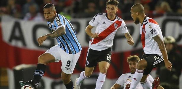 Tudo corria bem para o Grêmio até os 24 minutos do segundo tempo. O time  vencia o River Plate (ARG) por 1 a 0 e estava muito próximo de chegar à  final ... d58f98919ffc2